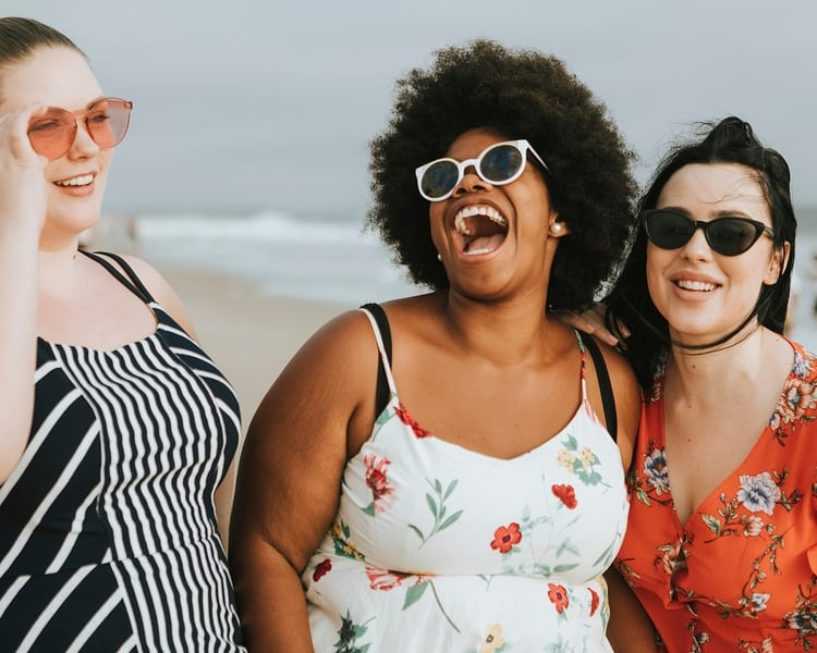 10 Wardrobe Staples for Curvy Women