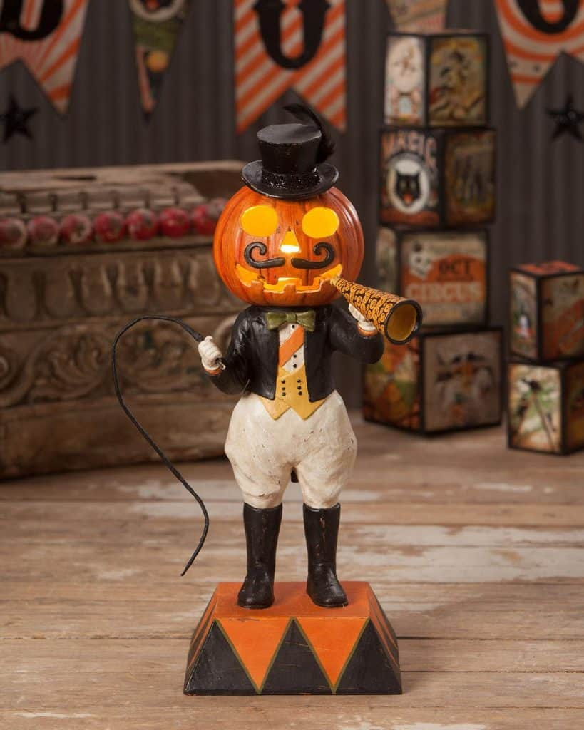Halloween Roundup: Spooky Decor, Amazing Party Supplies, and Fun Group Costumes