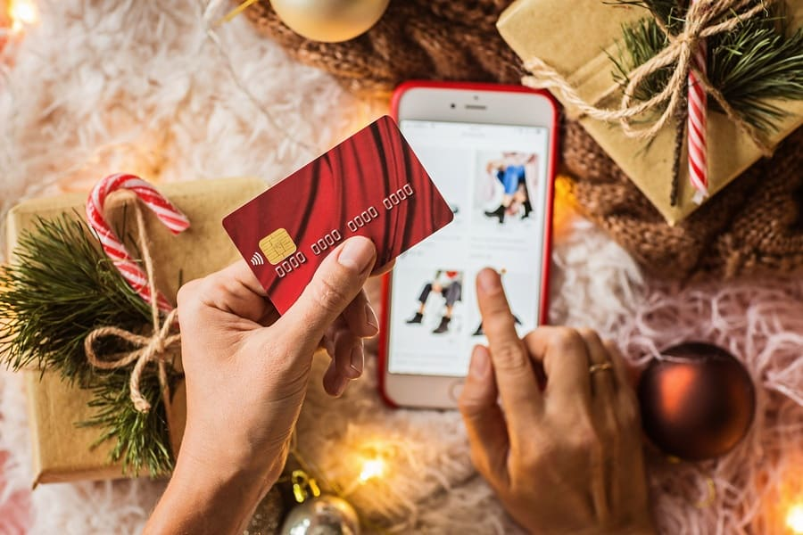 Last Minute Gifts for Every Member of the Family