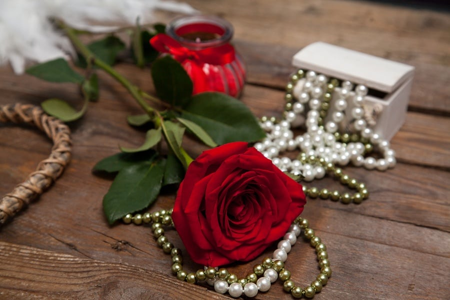 Valentine's Day Gift Guide: Jewelry and Accessories for Her and For Him