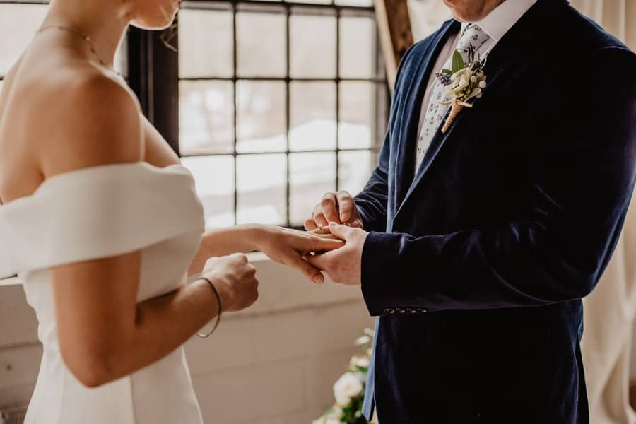 Great Change-the-Date Ideas: How to Reschedule a Wedding During the Covid-19 Pandemic
