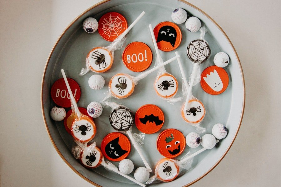Coronavirus Safety: How to Trick or Treat for Halloween During the Covid-19 Pandemic