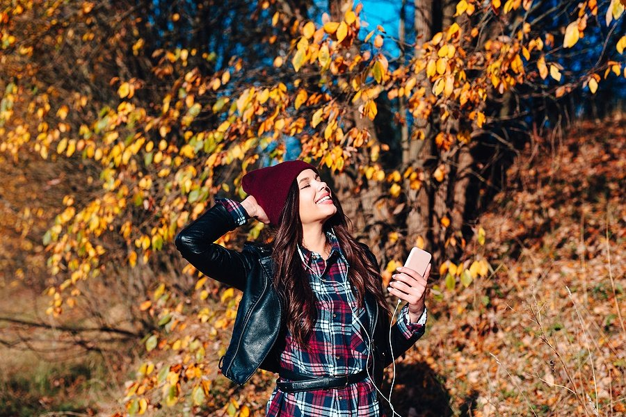 Fall Fashion: 5 Plaid Looks to Get You Into the Holiday Season