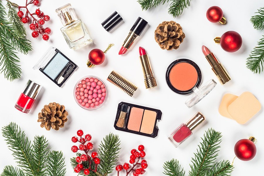 The Best Makeup, Skincare, and Beauty Deals This Holiday Season