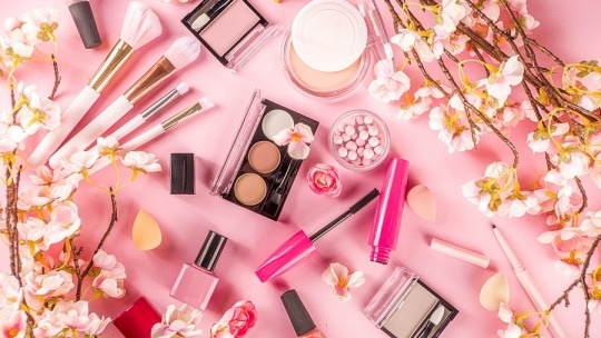 Spring Makeup Trends 2021: Easter Makeup Ideas You Can Copy