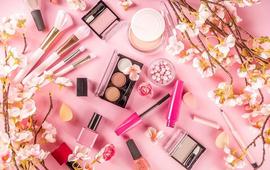 Spring Makeup Trends 2021: Easter Makeup Ideas You Can Copy