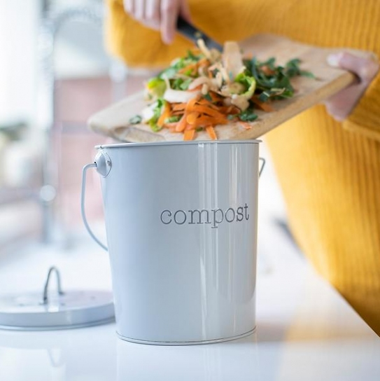 Earth-Conscious: What is Composting and Why You Need to Do It + Best Compost Bins