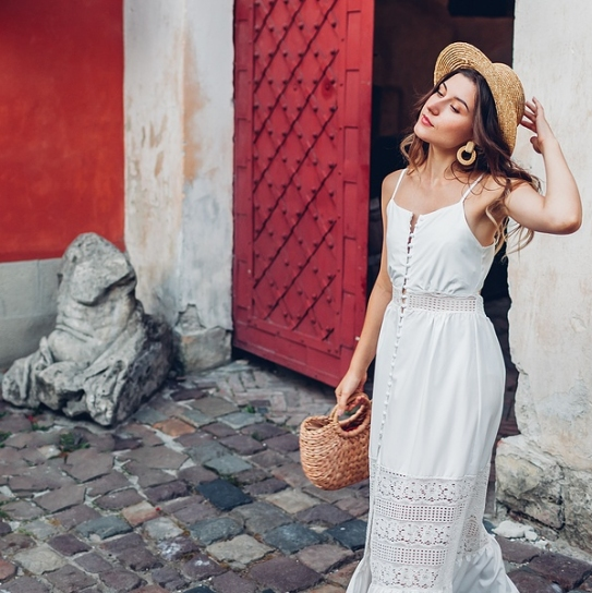 Post-Pandemic Summer Holiday OOTD's That are Totally Instagrammable