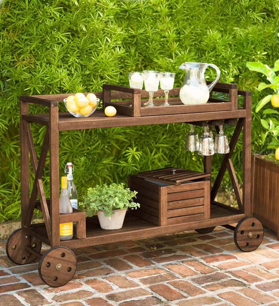 Plan a Summer Outdoor Party with These Great Tips!