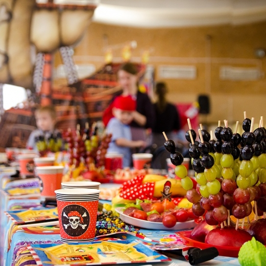 How to Create a Pirate-inspired Fall Party